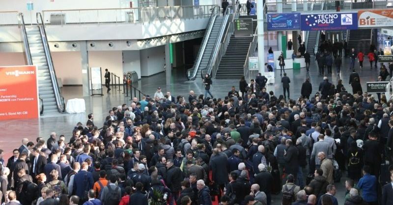 Koronavírus: Szeptemberben tartják a milánói kiállítást
